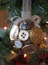 Diy Christmas Ornaments by 35 Diy Christmas Ornaments From Easy To Intricate