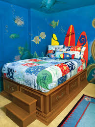 Beach Themed Bedrooms by Nautical Beach Themed Bedding For Adults On Brown Hardwood Bed