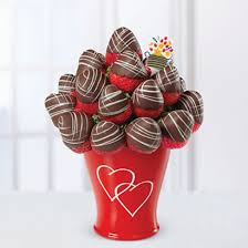 chocolate covered fruit baskets edible arrangements fruit baskets sweetheart swizzle bouquet