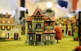 how it s made miniature houses