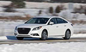 hyundai sonata hybrid reviews 2017 hyundai sonata in hybrid test review car and driver