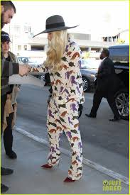 home for thanksgiving kesha heads home for thanksgiving in a cat print onesie photo