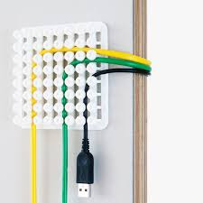 solution bureau poketo une solution intéressante pour gérer les câbles de