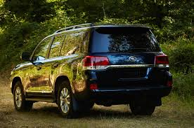 2016 toyota land cruiser first look review motor trend