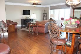 Bedrooms With Laminate Flooring 2 Bedroom Condos Treehouse Condo Rentals