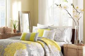 Soft Yellow Curtains Designs 4 Bedroom Designs With Light Yellow Curtains Gray And Yellow