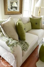 Pillow For Sofa by 5 No Fail Tips For Arranging Pillows Green Pillows Pillows And