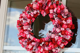 Ideas To Decorate For Valentine S Day by Valentine U0027s Day Ideas Charming Ribbon Wreaths To Adorn Your Door