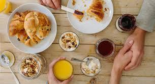 cuisiner pour amoureux valentin 12 recettes pour un petit déjeuner en amoureux