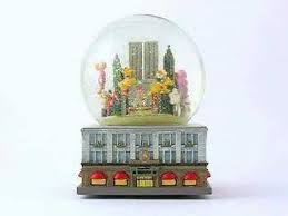 macy s thanksgiving day parade snow globe
