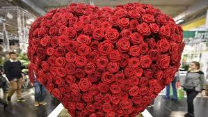 valentines day flowers s day flowers cheapest bouquets aldi coles
