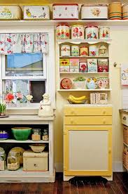 Retro Kitchen Hutch Best 25 Vintage Kitchen Ideas On Pinterest Vintage Diy Cottage