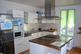 cuisine fenetre inspirations à la maison énorme cuisine avec porte fenetre ides