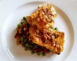 cuisiner des petit pois frais poisson mariné à la sauce sakari petits pois frais au chorizo