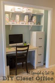 Wall To Wall Desk Diy by A Spoonful Of Spit Up Diy Closet Office