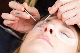 lash extensions tips you need to know before heading to the salon