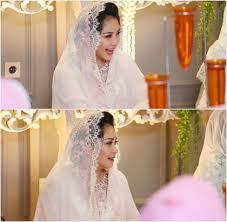 wedding dress nagita slavina foto gaya serba putih nagita slavina dan raffi ahmad di acara