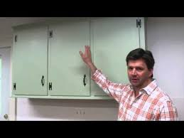 How To Update Old Kitchen Cabinets Best 25 Old Kitchen Cabinets Ideas On Pinterest Updating