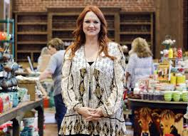 ree drummond opens the pioneer woman mercantile in pawhuska