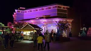 dollywood christmas lights 2017 my patchwork quilt the coat of many colors parade dollywood at night