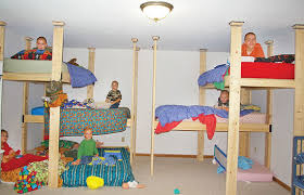 three bunk beds too hick to be square two rooms three bunk beds sleep 13 bluff