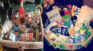honeymoon gift basket diy and unforgettable wedding gift basket ideas wedding eye