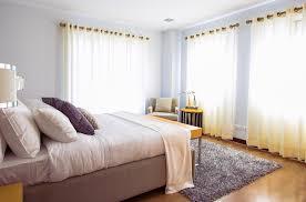 dans une chambre le style minimaliste dans une chambre à coucher kipeuk deco