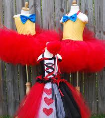 Tweedle Dee And Tweedle Dum Costumes 400 Best Alice In Wonderland Images On Pinterest Alice In