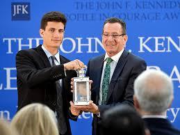 jfk u0027s grandson jack schlossberg presents profile in courage award