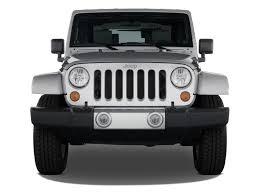 white jeep 2 door image 2008 jeep wrangler 4wd 2 door sahara front exterior view