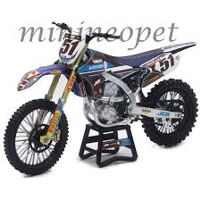 yamaha motocross bikes new ray 57713 motocross jgr yamaha yz 450f dirt bike 51 1 12
