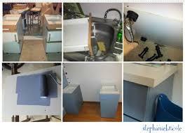 faire une cuisine pour enfant faire soi même un bureau avec des meubles de cuisine et un panneau