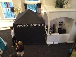 photo booth tent some photo booths don t measure up connecticut wedding dj