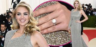 kate engagement ring dazzling kate upton reveals engagement ring