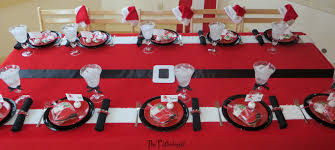 the partiologist santa themed dining table