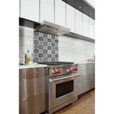 fond blanc cuisine credence cuisine noir et blanc peindre le carrelage duune crdence