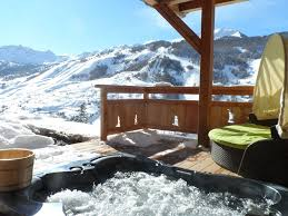 linge de lit style chalet montagne location vacances chalet vars chalet vue montagne et pistes de