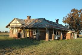 abandoned farm houses old brick australian homestead