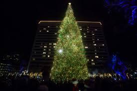 Singing Christmas Tree Lights South Coast Plaza Lights Up For The Holiday Season U2013 Orange County