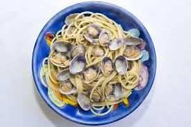 cuisiner des palourdes fraiches spaghetti aux palourdes fraîches photographie lachris77 107717142