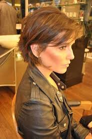 layered crown haircut the 25 best short layered haircuts ideas on pinterest layered