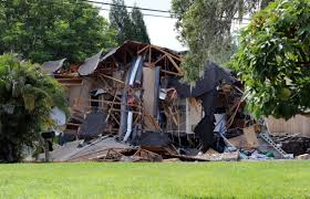 When A Stranger Calls House Sinkhole Stops Growing After Swallowing 2 Houses In Florida