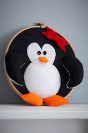 how to make a penguin wreath penguins wreaths and craft