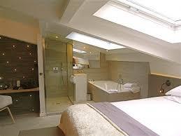 salle de bain dans chambre sous comble petit espace salle de bain et chambre sous pente recherche