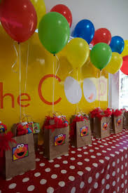 Elmo Centerpieces Ideas by 58 Best Raylans 1st Birthday Images On Pinterest Sesame Street