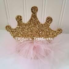 Royal Crown Centerpieces by Love These Princess Crown Cupcakes Via Kara U0027s Party Ideas Let U0027s