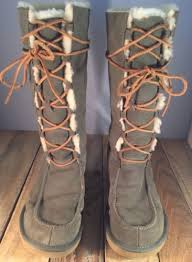 s ugg lace up boots ugg 5230 whitley s boots sz 9 lace up green suede