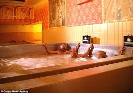 Huge Bathtub Schloss Starkenberger In Austria Offers Guests Bath In Huge Tub Of