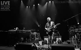 phish completes baker u0027s dozen residency with triumphant victory lap