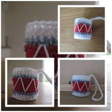 drum knitting pattern why not knit these quick easy christmas drums using scraps of wool